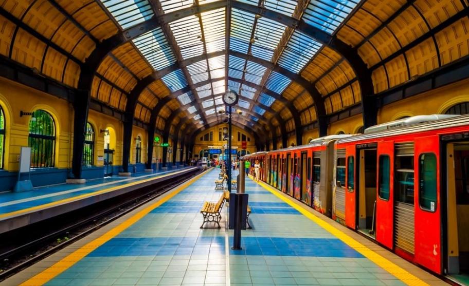 treno-tοu-peiraia-stathmos-peiraias-perioxes-gotravelyourselfgr