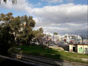 palio-treno-peiraia-aksiotheata-parko-ilia-iliou-peiraias-athina-drapetsona-gotravelyourselfgr